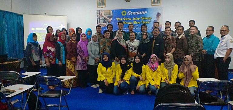 Seminar Kiat Sukses dalam Bekerja dan Menuju Masa Depan